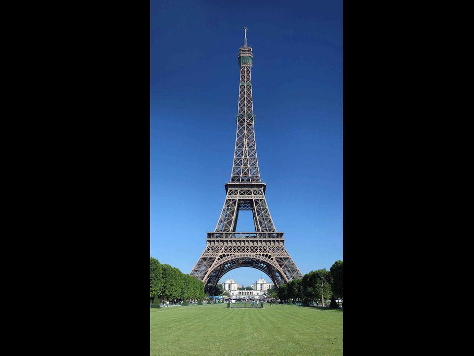 Ci sono voluti cinque mesi per costruire le basi e 21 per il montaggio della parte metallica della torre. È un record di velocità se si tiene conto de