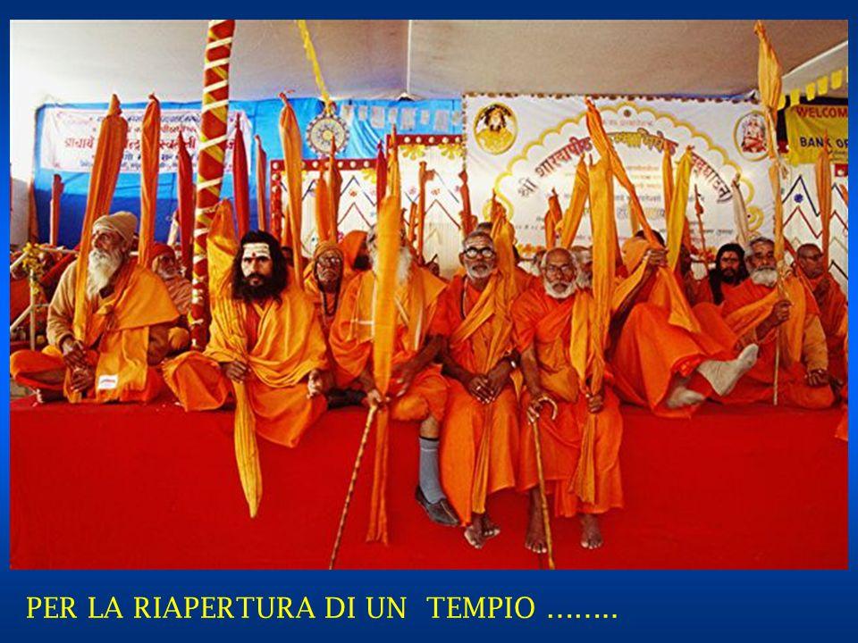 GRUPPO DI RELIGIOSI IN VISITA ……..
