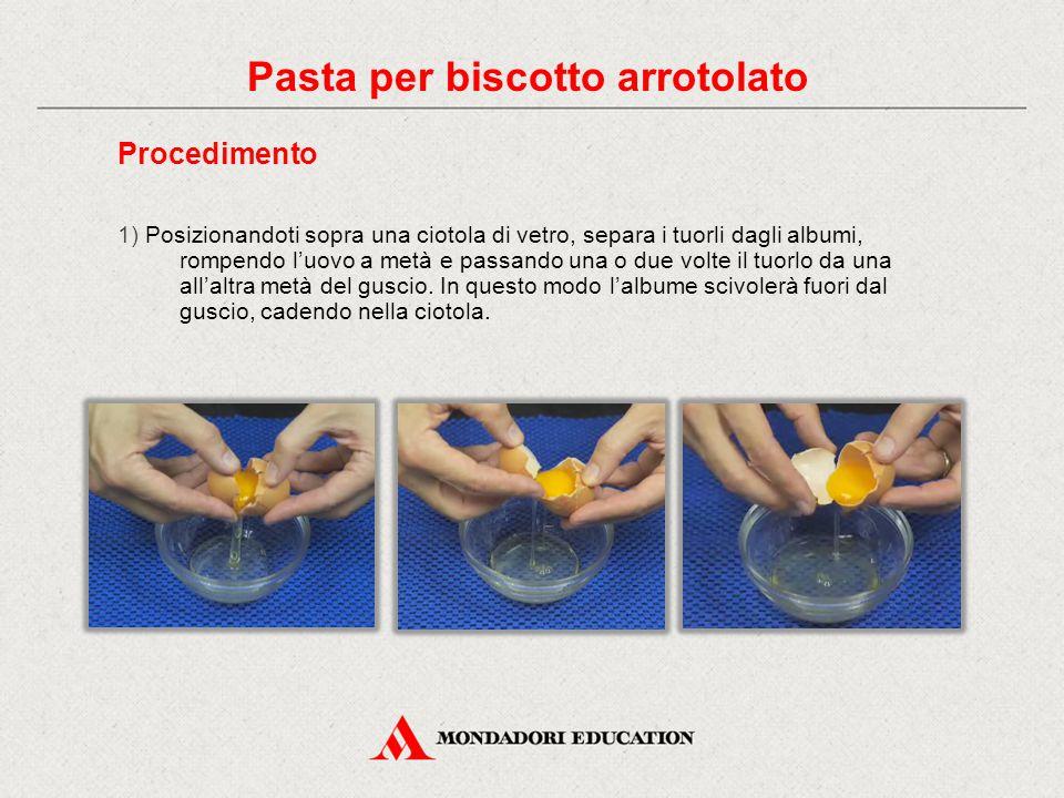 Procedimento 1) Posizionandoti sopra una ciotola di vetro, separa i tuorli dagli albumi, rompendo l'uovo a metà e passando una o due volte il tuorlo da una all'altra metà del guscio.