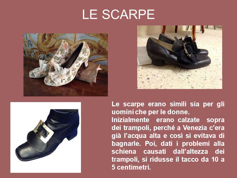 Le scarpe erano simili sia per gli uomini che per le donne.