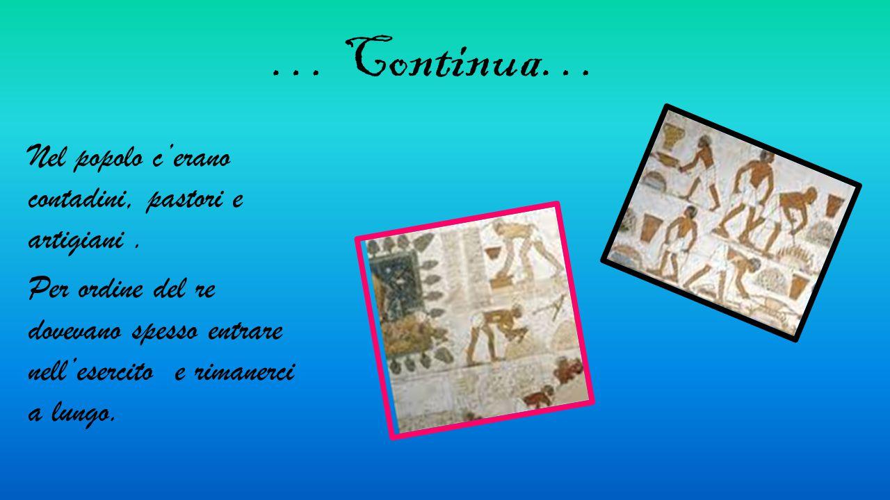 Assurbanipal Nel 650 a.C. il re Assurbanipal fece costruire, nella sua reggia a Ninive un' immensa biblioteca contenente più di 25.000 tavolette d' ar