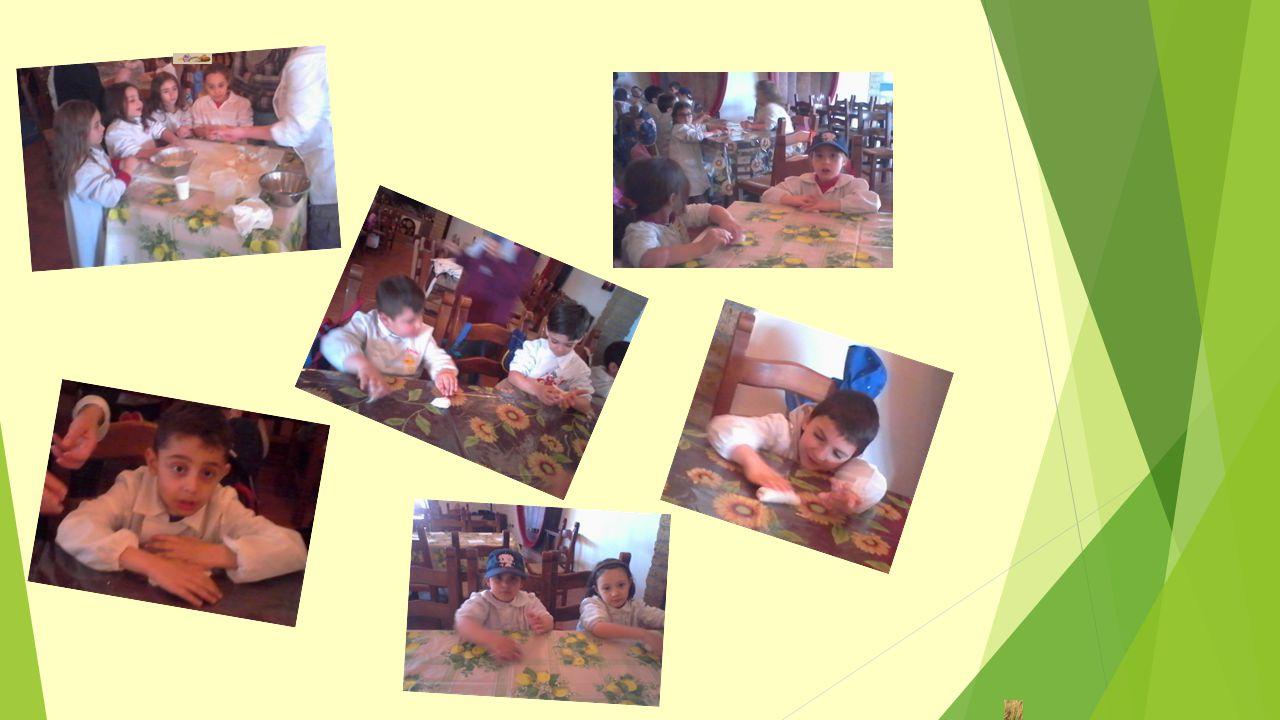 Con la farina e l'acqua abbiamo pasticciato, un morbido impasto preparato, cucinato e…assaggiato!!!
