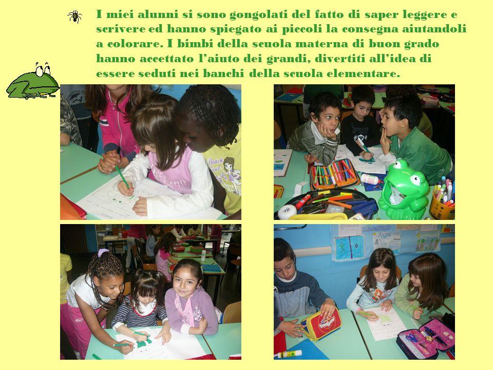 I miei alunni si sono gongolati del fatto di saper leggere e scrivere ed hanno spiegato ai piccoli la consegna aiutandoli a colorare.