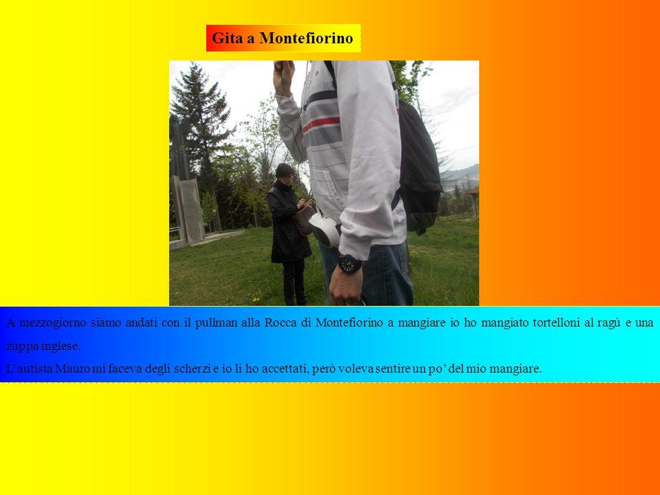 Gita a Montefiorino Alle 14,25 prima Daniel ci ha spiegato delle cose, e il Prof Galassi ha detto: «Ragazzi, tacere e prestare attenzione, prego!», poi siamo andati con il pullman in un altro museo di Montefiorino sempre a guardare due filmati e ad ascoltare una guida che si chiama Chiara che ci ha spiegato un po' di cose sulla Seconda Guerra Mondiale.