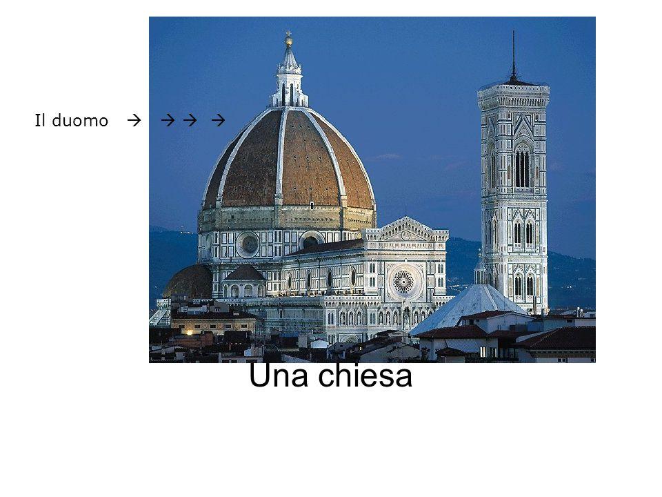 Una chiesa Il duomo    