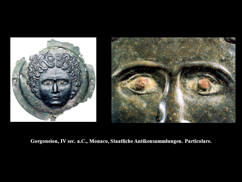 Gorgoneion, IV sec. a.C., Monaco, Staatliche Antikensammlungen. Particolare.