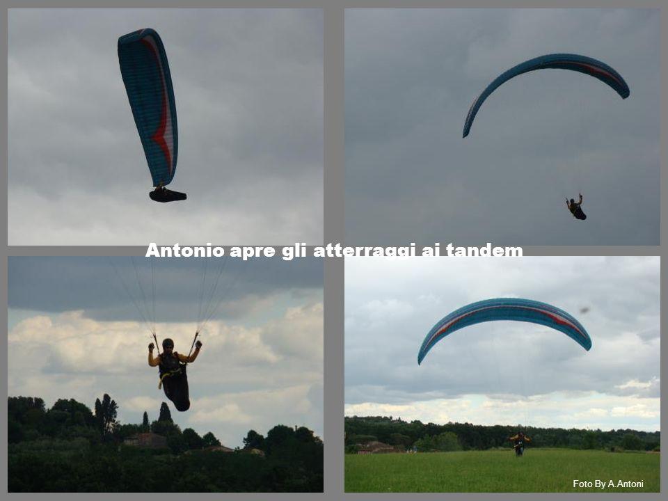 Foto By A.Antoni Antonio apre gli atterraggi ai tandem