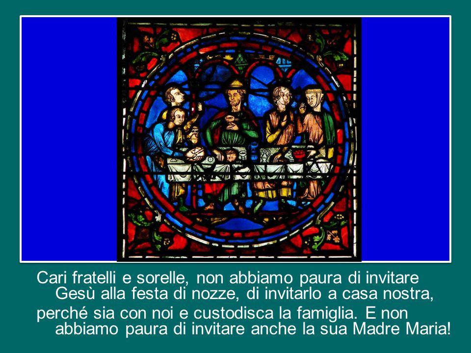 Ugualmente, la virtù dell'ospitalità delle famiglie cristiane riveste oggi un'importanza cruciale, specialmente nelle situazioni di povertà, di degrad