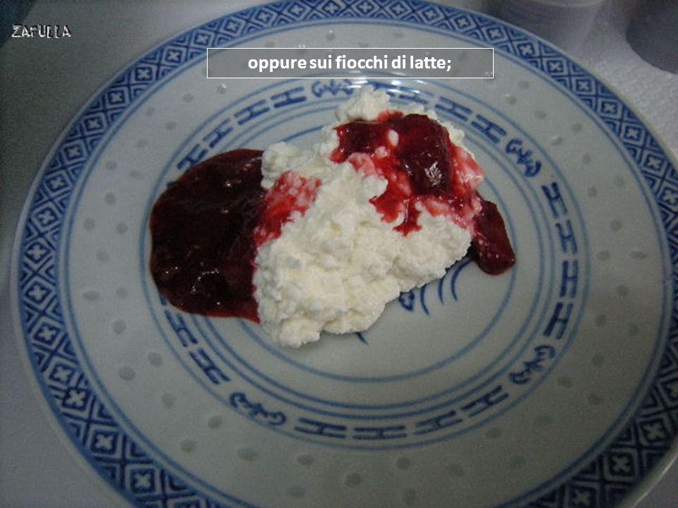 Questa composta, così naturale e veloce, è ottima da aggiungere allo yogurt magro, ad esempio;