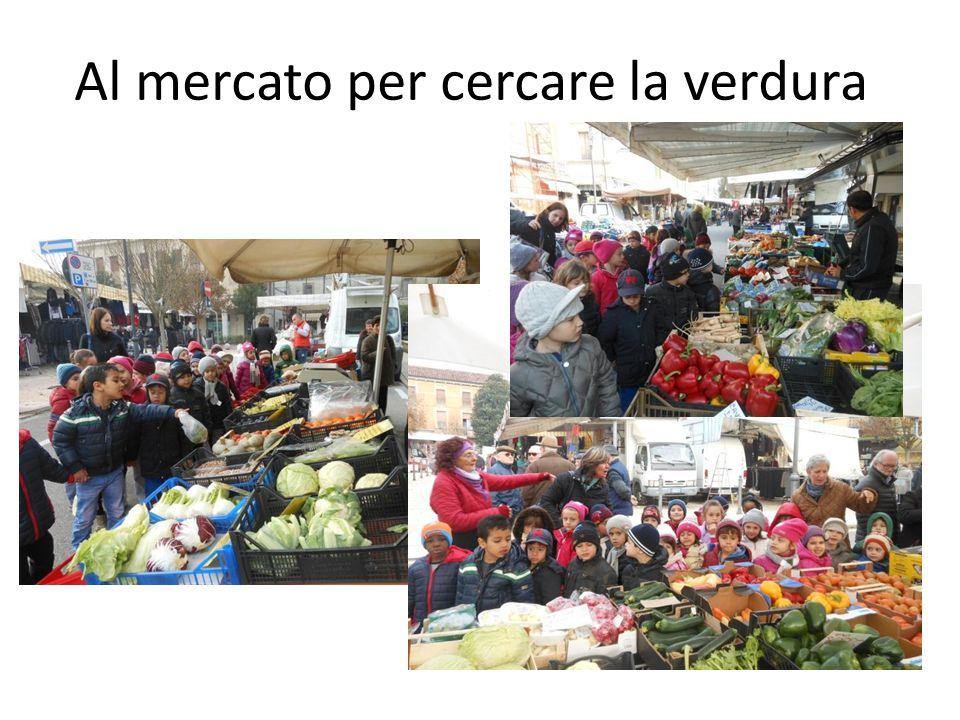 Al mercato per cercare la verdura