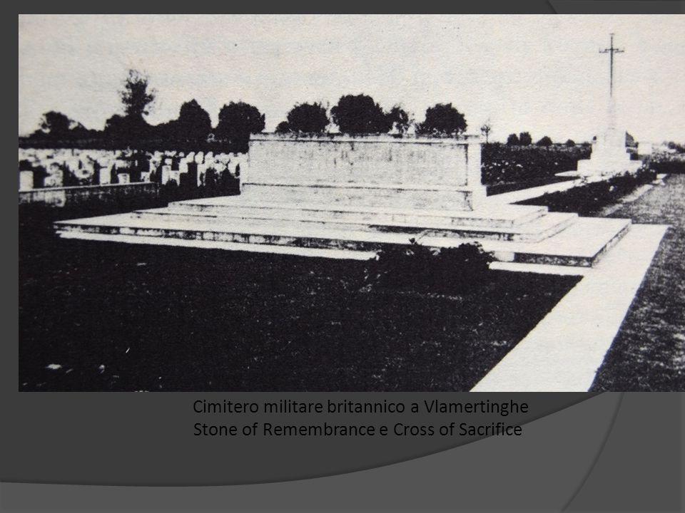 Cimitero militare britannico a Vlamertinghe Stone of Remembrance e Cross of Sacrifice
