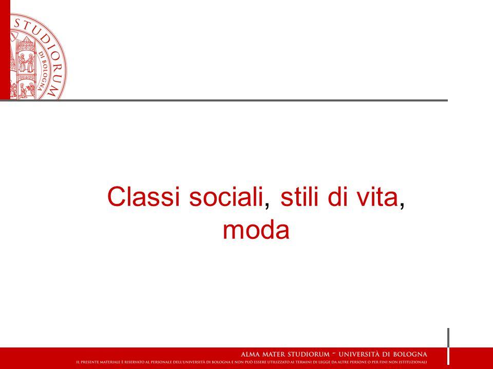 Cerchie di relazioni sociali dell'individuo X in una società poco differenziata Cerchie di relazioni sociali dell'individuo X in una società più differenziata Differenziazione sociale