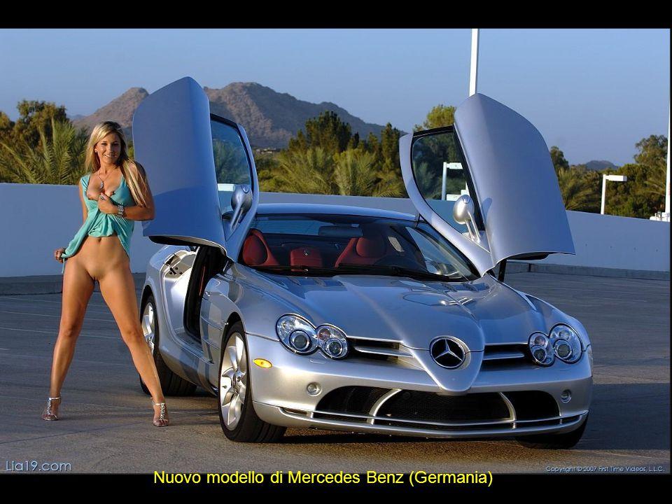Nuovo modello di Mercedes Benz (Germania)