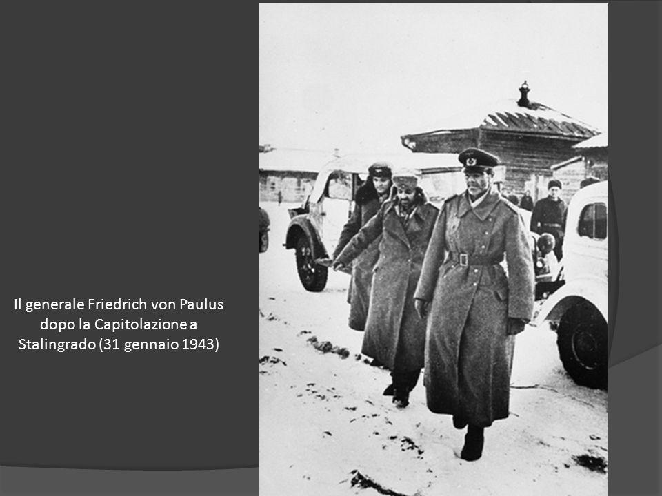 Il generale Friedrich von Paulus dopo la Capitolazione a Stalingrado (31 gennaio 1943)