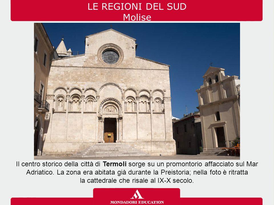 Le coste della Sardegna sono varie: alternano tratti sabbiosi a tratti rocciosi.