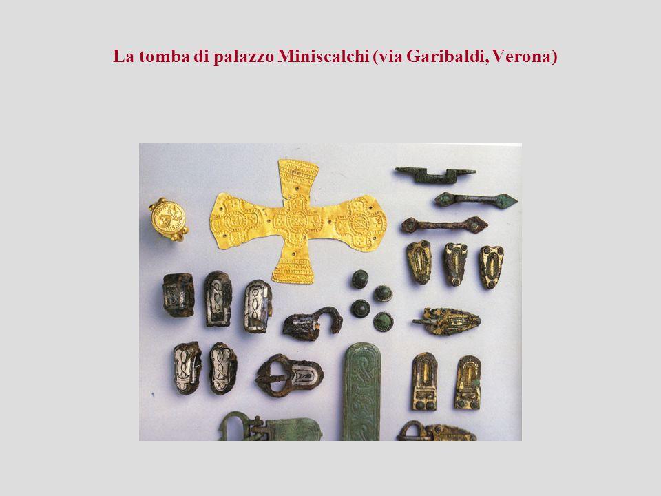 La tomba di palazzo Miniscalchi (via Garibaldi, Verona)