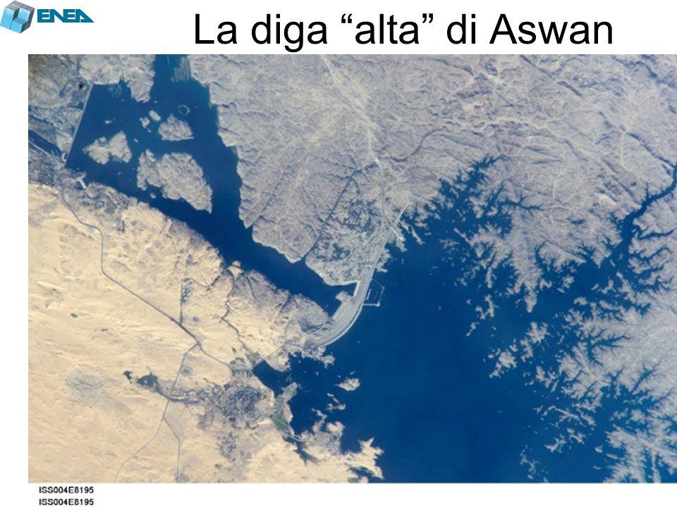 """La diga """"alta"""" di Aswan"""