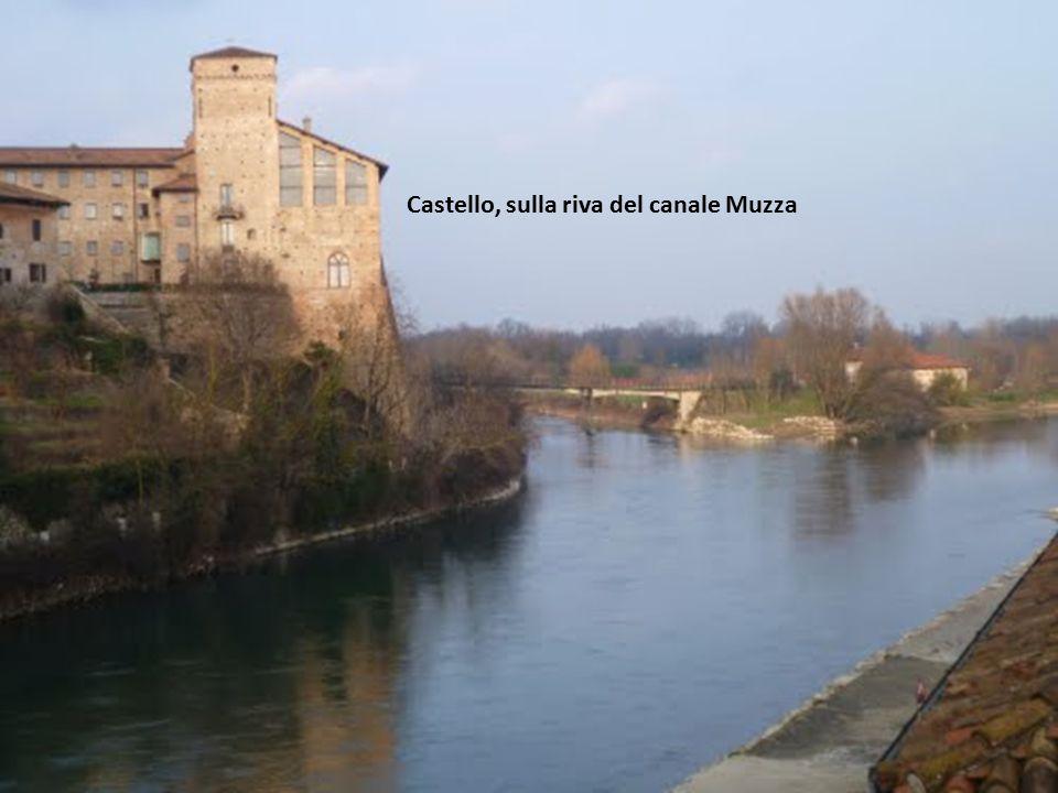 Cassano d Adda ( Milano ) Veduta del centro, dal canale Muzza