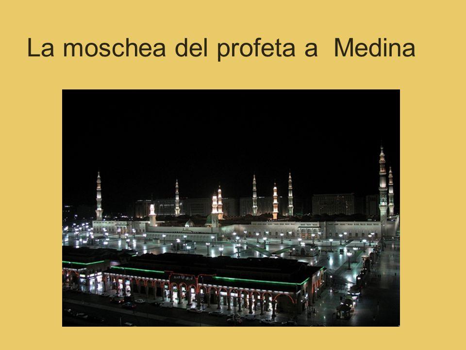 La moschea del profeta a Medina