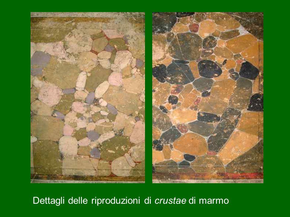 Dettagli delle riproduzioni di crustae di marmo