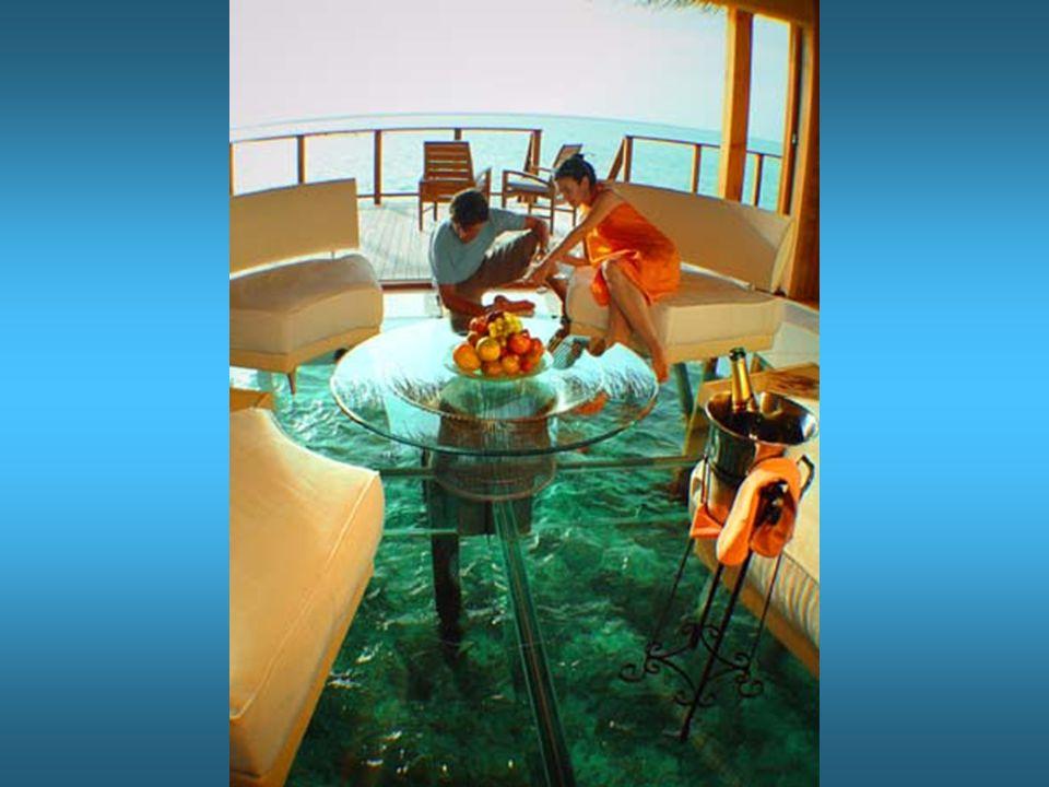 Nel caso, l'attrezzatura per pescare e per lo snorkeling è sotto il letto Nel caso, l'attrezzatura per pescare e per lo snorkeling è sotto il letto