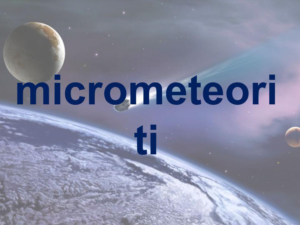Scopo: visionare al microscopio alcuni micrometeoriti Strumenti e materiali:  Piastre Petri  Sacchetto  Microscopio  Calamita  Scopa  Pattumiera  Terriccio