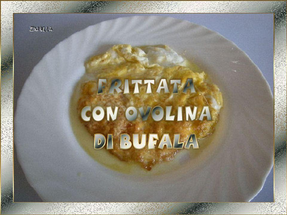 Per fare la frittata classica bastano: uovo, sale (pepe, secondo i gusti) e olio.
