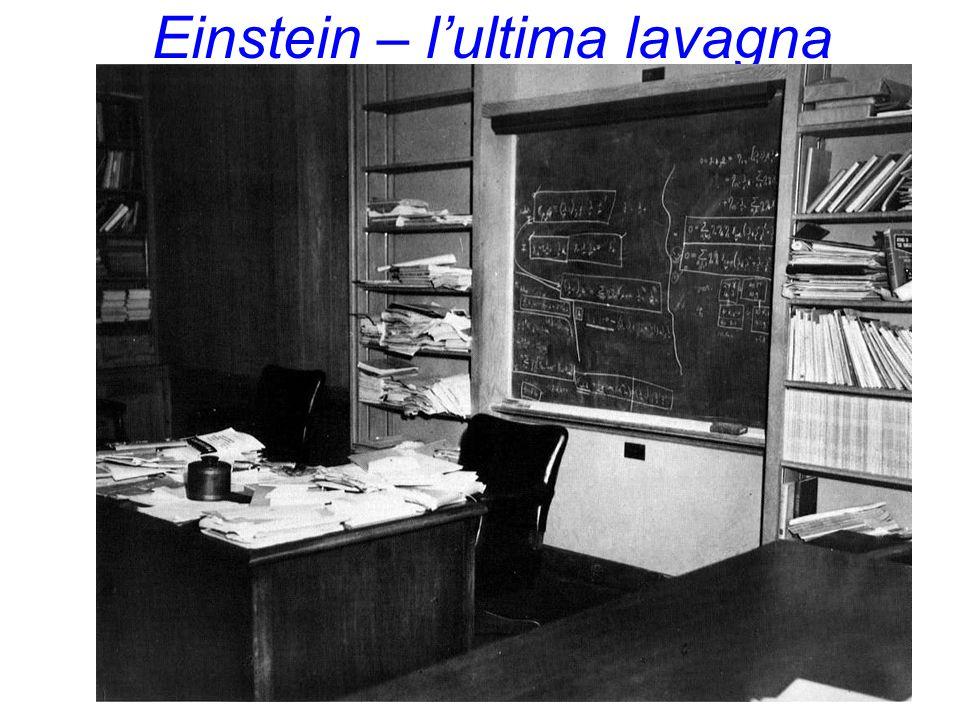  Le particelle sono veramente puntiformi ? Teoria delle Stringhe ulteriore livello microscopico: particelle non sono puntiformi, ma piccoli (10 -33 c