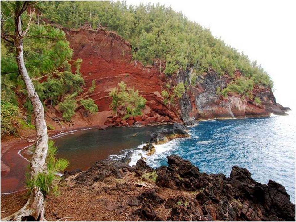 Situata sull'isola di Mauim nelle Hawaï, questa spiaggia non è facilmente accessibile, ma vale la pena fare il lungo viaggio.