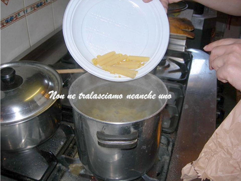 Nel frattempo l'acqua bolle… caliamo la pasta