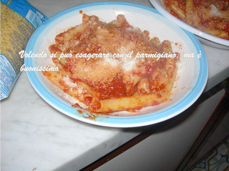 Prepariamo i piatti e aggiungiamo abbondante formaggio e se piace pepe