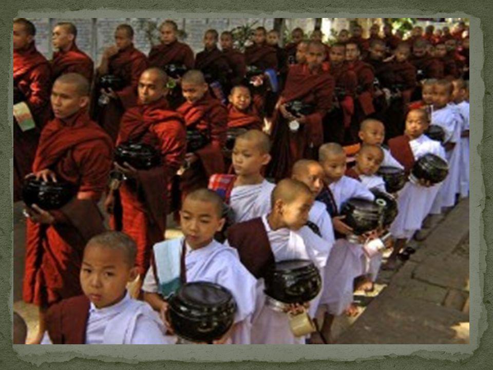 Le feste più importanti del buddismo sono: -Il Theravada che equivale al nostro capodanno; -Vesak che è la ricorrenza della nascita e dell' illuminazi