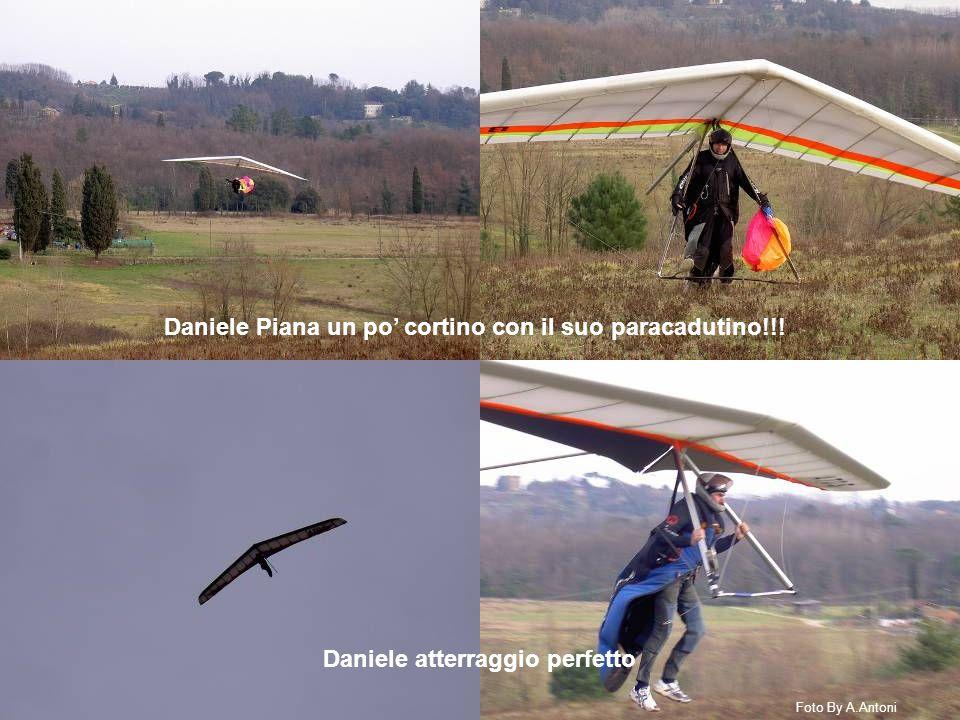 Daniele atterraggio perfetto Daniele Piana un po' cortino con il suo paracadutino!!.