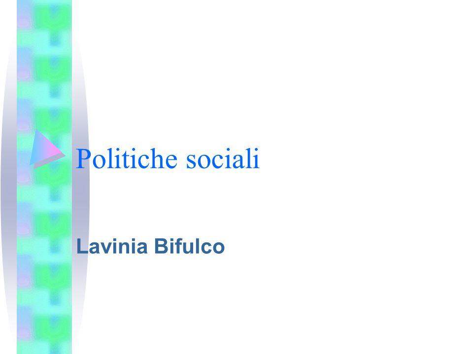 Diseguaglianze in Italia In Italia disaguaglianza (di reddito) alta e persistente Altra trasmissione intergenerazionale della diseguaglianza E' aumentata la diseguaglianza dei redditi di lavoro (lavoro atipico, working poor e top incomes) Ruolo ridimensionato del capitale culturale rispetto alle diseguaglianze