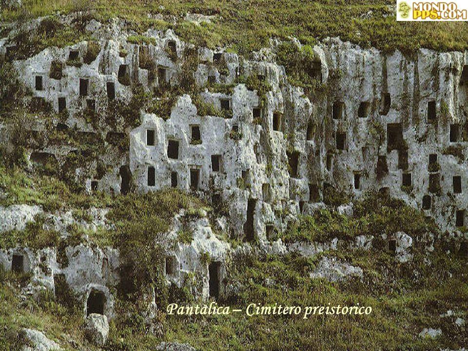 Pantalica – Cimitero preistorico