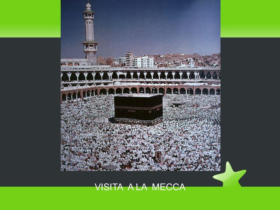 Il pellegrinaggio a La Mecca  Il pellegrinaggio a La Mecca è il quinto pilastro dell Islam ed è un atto obbligatorio.