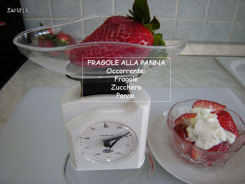 Le fragole vanno preparate all'ultimo momento perché sono molto deperibili, giusto il tempo che si sciolga lo zucchero e saranno pronte.