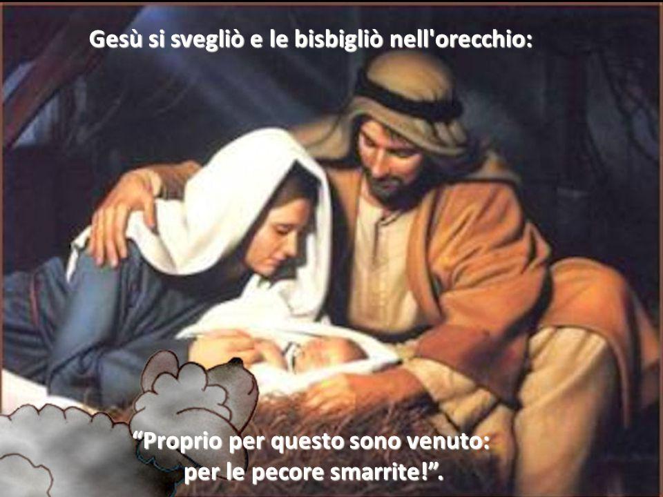 """""""Avrà freddo; lasciate che mi metta vicino per riscaldarlo!"""". Maria e Giuseppe risposero con un sorriso. La pecora si avvicinò stretta stretta al bamb"""