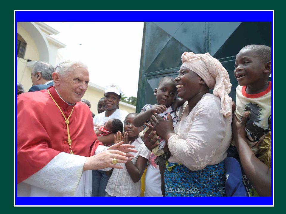 E' un Messaggio che parte da Roma, sede del Successore di Pietro, che presiede alla comunione universale, ma si può dire, in un senso non meno vero, che esso ha origine nell'Africa, di cui raccoglie le esperienze, le attese, i progetti, e adesso ritorna all'Africa, portando la ricchezza di un evento di profonda comunione nello Spirito Santo.
