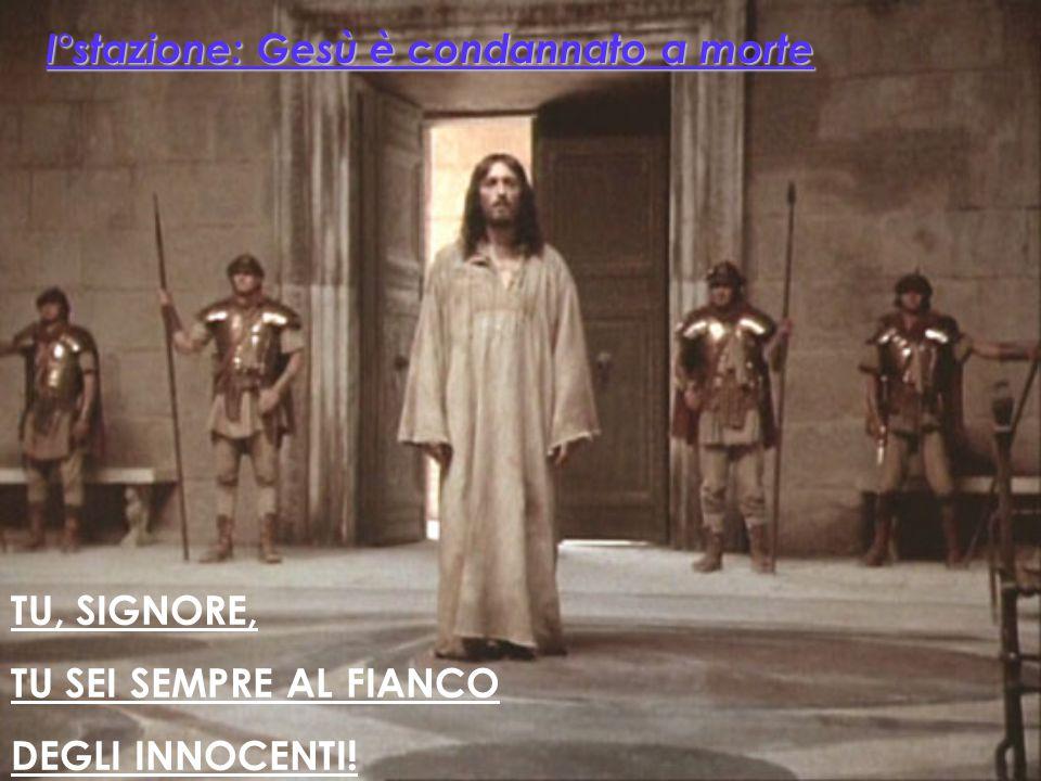 TU, SIGNORE, TU DONI TUTTO A TUTTI ! X° Stazione: Gesù è spogliato dei suoi vestiti