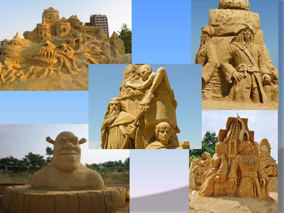 Interessante....  Un'evento più interessante dei cittadini e delle persone in genere sono Le scilture di sabbia (Festivale della sabbia).Loro sono en