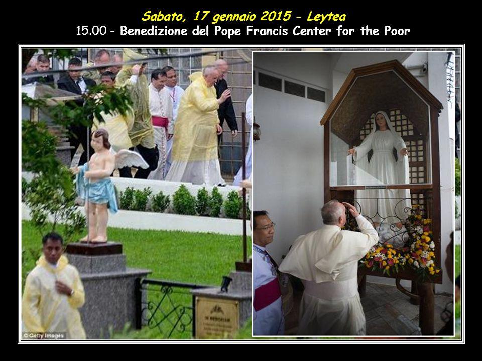 12,45 - Pranzo con alcuni superstiti del tifone Yolanda nella Residenza dell'Arcivescovo di Palo