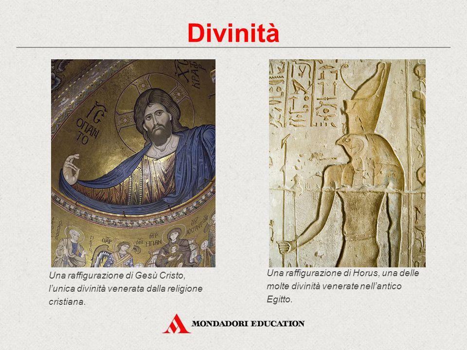 Una raffigurazione di Gesù Cristo, l'unica divinità venerata dalla religione cristiana. Divinità Una raffigurazione di Horus, una delle molte divinità