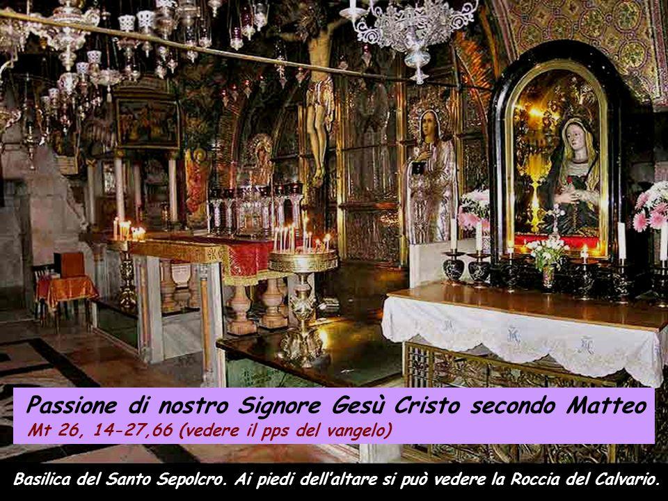 Mt 26, 14-27, 66 …Mentre mangiavano, Gesù prese il pane, recitò la benedizione, lo spezzò e, mentre lo dava ai discepoli, disse: -«Prendete, mangiate: