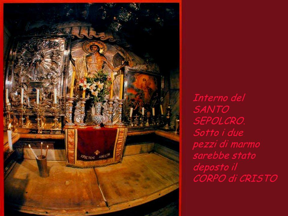 Anastasis, all'interno della Basilica, c'è questa cappella, dove nel suo interno si trova il SANTO SEPOLCRO.