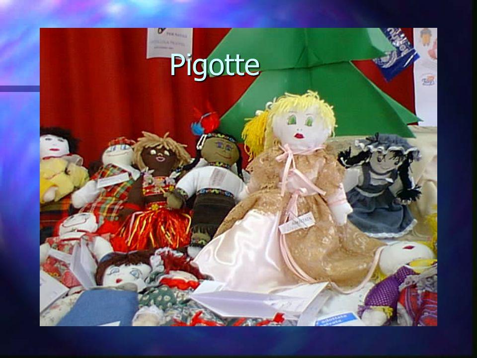 PENSIERINO n Vorrei tanto che le nostre bambole servissero per portare la PACE nel mondo! n Classe 3°