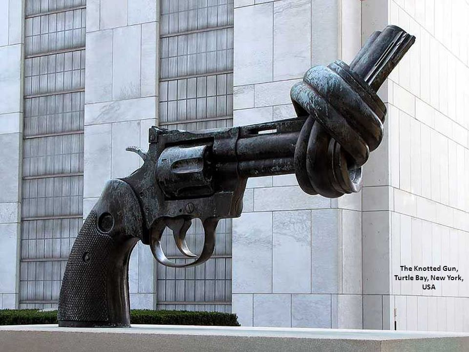 The Knotted Gun, Turtle Bay, New York, USA