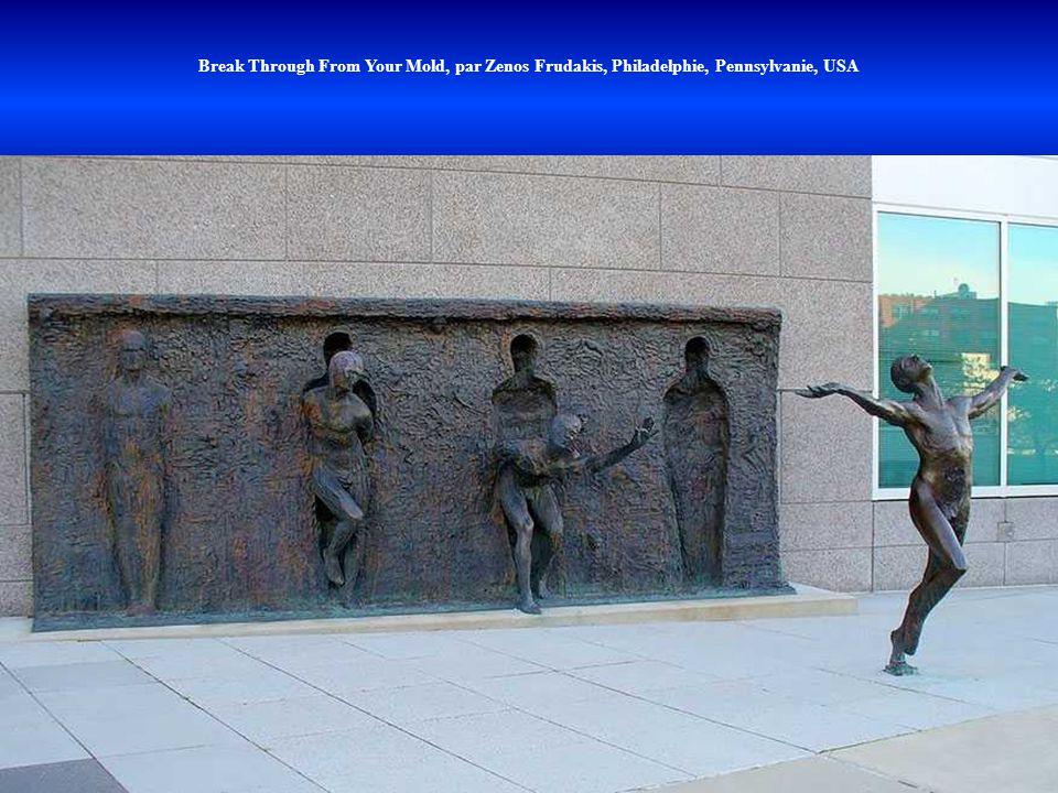 Break Through From Your Mold, par Zenos Frudakis, Philadelphie, Pennsylvanie, USA