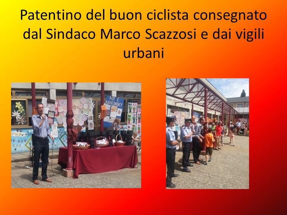 Patentino del buon ciclista consegnato dal Sindaco Marco Scazzosi e dai vigili urbani