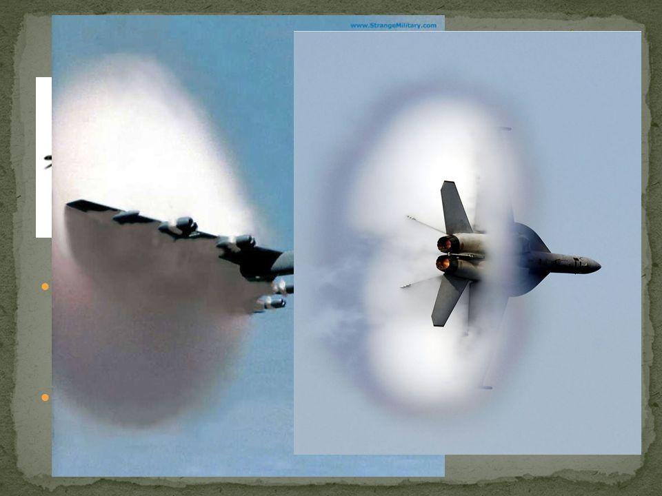 """Si parla di """"muro del suono"""" perché la resistenza dell'aria aumenta sempre di più con l'aumentare della velocità dell'aereo, e diventa elevatissima (q"""